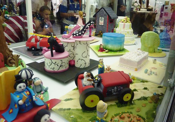 Cake Decorating Competition Show : Aussie Farmstay and Bush Adventures